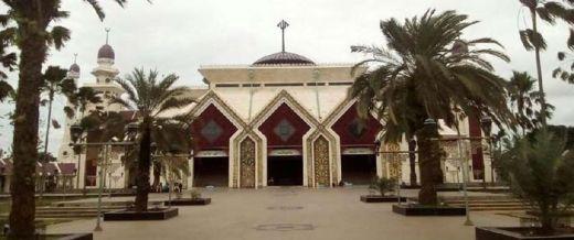 Duo Penyanyi Dangdut Senior Ini Fasilitasi Massa Aksi 212 untuk Nginap di Masjid At-Tiin