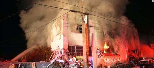Tragis... Gedung Tempat Pesta Dansa Terbakar, Puluhan Orang Tewas Terjebak Api
