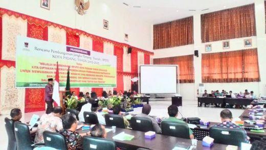 DPRD Padang Sahkan Dua Ranperda di Akhir Tahun, Pemko Siap Gali Potensi