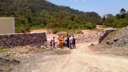 Akses Jalan Utama Akan Ditutup Pabrik Semen Padang, Warga Batu Gadang Resah