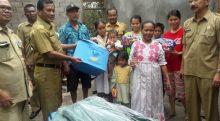 Bantu Korban Angin Langkisau, Pemko Padang Ringankan Derita Pak Acin