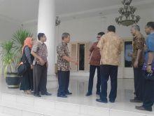 Petugas Sensus Ekonomi Datangi Gubernur Sumbar dan Wako Padang