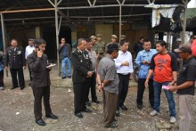 respon-pengaduan-warga-wako-hendri-arnis-kunjungi-pasar-sayur-bukit-surungan