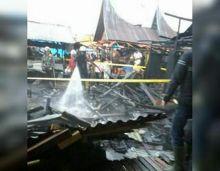 Minggu Pagi Pasar Padang Panjang Terbakar, Pedagang Berusaha Selamatkan Dagangan