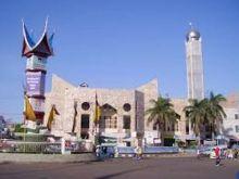 Jelang Ramadhan di Padang, Pedagang Direlokasi, Masjid Taqwa Bertambah Asri