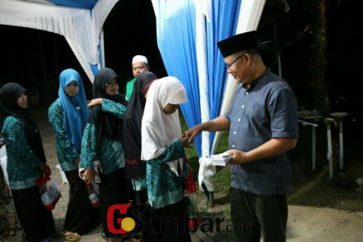 Jalin Silahturahmi dan Santuni Anak Yatim, Wakil Ketua DPRD Dharmasraya Lakukan Buka Puasa Bersama
