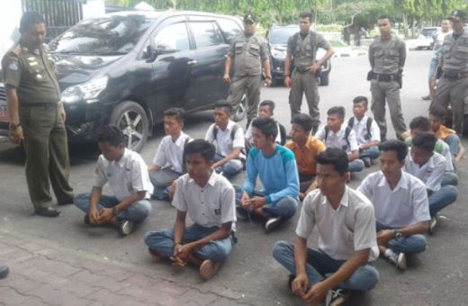 Satpol PP Padang Pariaman Akan Terus Tertibkan Pelajar Keluyuran Dalam Jam Belajar