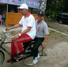 bersepeda-onthel-walikota-padang-berolahraga-menjaga-keseimbangan-tubuh