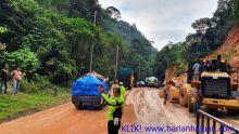 Longsor Jelang Kelok Sembilan Sudah Dibersihkan, Jalur Sumbar-Riau Kembali Normal