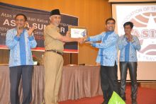 Pariwisata Padang Jauh Melangkah Cepat, Walikota Padang Terima ASITA Award