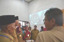 Gubernur dan Walikota Pantau Pelaksanaan UN di Padang, Irwan Prayitno: Hari Pertama Berjalan Baik