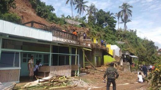 Hujan Lebat, Sejumlah Kawasan di Solok Dilanda Banjir dan Longsor