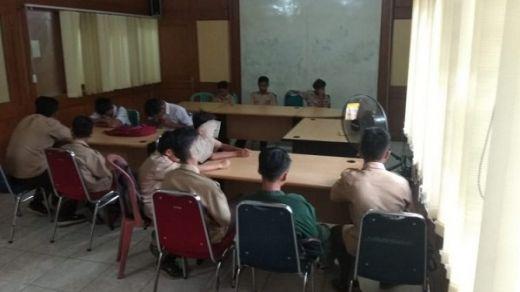 Main di Warnet Saat Jam Belajar, 15 Pelajar di Padang Diangkut Satpol PP
