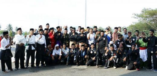 Peringati HUT Kabupaten Dharmasraya, 10 Perguruan Pencak Silat Gelar Kirab dan Parade