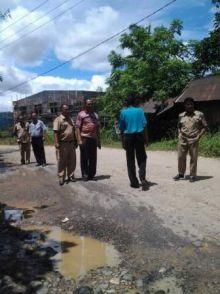Jalan Gunung Sarik-Belimbing Rusak, Warga Mengadu ke Muzni Zein, Anggota Fraksi Gerindra DPRD Padang
