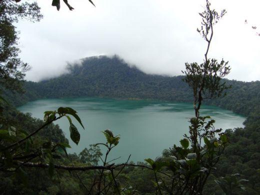 Ada Danau Airnya Mirip Laut di Pasaman Barat, Tertarik, Silahkan Daki Gunung Tuleh