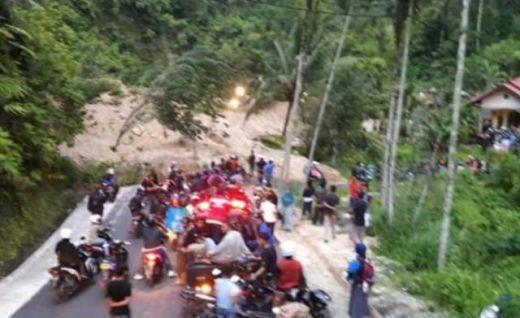 Lokasi Jalan Longsor Palupuh Agam Sudah Bisa Dilewati, Jalur Bukittinggi-Pasaman Kembali Terbuka