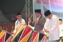 Presiden Jokowi Tabuh Gendang dan Takbir Lebaran dari Padang