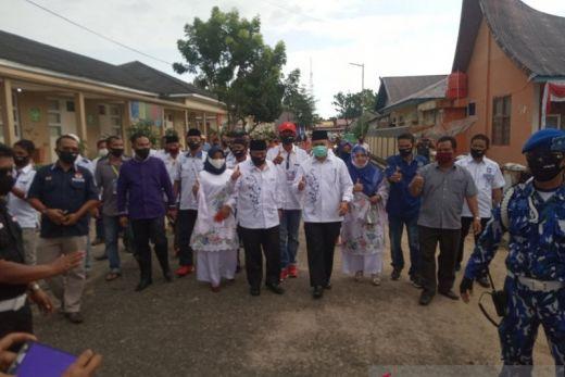 Ribuan Warga Agam Antarkan AWR-IF Daftar ke KPU