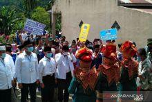 Diiringi Indang Sarunai, Abdul Rahman-Rosman Efendi Daftar ke KPU
