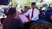 Datangi Rumah Duka, Pemcam Padang Selatan Ringankan Beban Warga Sedang Kemalangan