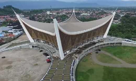 Untuk Menambah Keindahan, Tahun Ini, Mesjid Raya Sumatera Barat akan Dilengkapi Menara