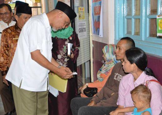 Wako Padang Saksikan Pelayanan Disdukcapil, Warga Mengaku, Urusan Tak Lagi Berhari-Hari
