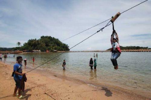 Pantai Carocok Painan Surga Bagi Para Pelancong