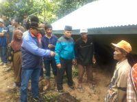 Tebing Longsor Sebabkan Jalan Lintas Bukittinggi - Pasaman Lumpuh Total