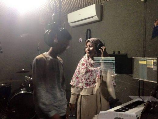 Lagu Religi Dinyanyikan Duet Asal Padang Dipasarkan IslamicTunes Malaysia