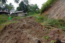 Puluhan KK di Padang Pariaman Terisolasi Akibat Longsor