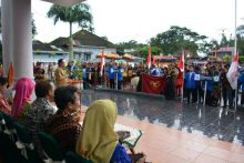 pawai-budaya-festival-kesenian-indonesia-dilepas-di-balai-kota-padang-panjang