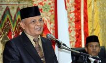 MUI Padang Ingatkan Umat Muslim Tak Ikut-ikutan Pakai Atribut Natal