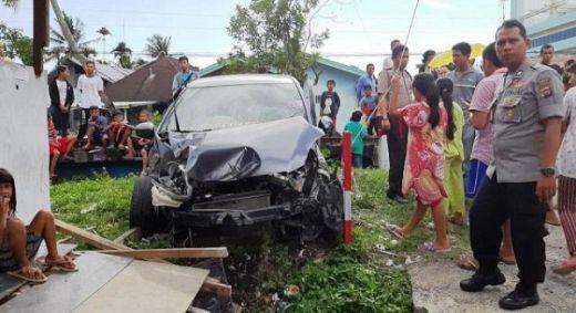 Mobil Ditabrak Kereta Api di Padang, Seorang Polisi Luka-luka