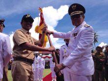 Kota Padang Terima Pataka Kelurahan Berprestasi Tingkat Provinsi Sumatera Barat