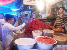 Datangi Pasar Lubuk Alung, Pedagang Berkeluh Kesah Pada Bupati Padang Pariaman