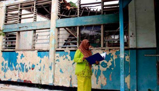 Kantor UPT Pendidikan XI Koto Sungai Lasi Kabupaten Solok Rusak Parah