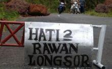 Waspada! Jalan Sumbar-Riau Terban 5 Meter di Tanjung Balik