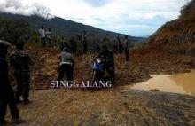 Longsor di Jorong Lima Badak, Lalu Lintas Malalak-Bukittinggi Lumpuh