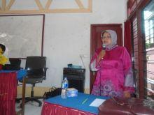 Verinel Yanti, 15 Tahun Menjadi Guru Honorer di Pesisir Selatan