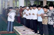 ditunjuk-jadi-imam-shalat-tarwih-presiden-jokowi-camat-pauh-wardas-tanjung-mendapat-tekanan-mental