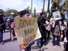 LBH Pers Protes Keras Perampasan Kamera Wartawan di Posko Benny-Daniel Pasaman