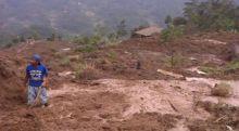 Longsor Melanda 2 Kecamatan di Sumbar, Menimbun Jalan Lintas dan Rumah Warga