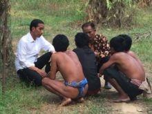 Wow! Sambil Duduk di Kebun Sawit, Presiden Jokowi Berdialog dengan Suku Anak Dalam