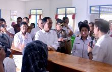 Hari Kedua di Sumatera, Presiden Joko Widodo Tinjau Titik Api Air Sugihan