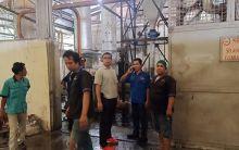 Ruang Mesin Pabrik Karet di Dharmasraya Terbakar