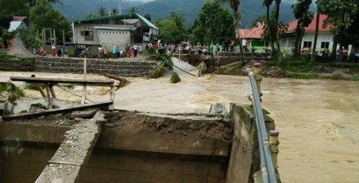 Diterjang Banjir Bandang, 6 Rumah Hanyut di Solok Selatan
