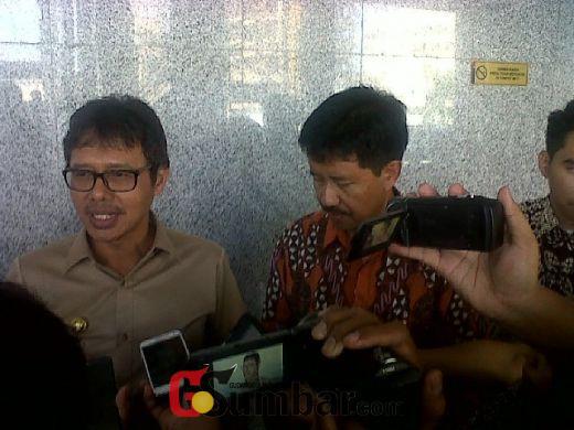 Sidak Pasar Raya Padang, Gubernur Sumbar Dilapori Pedagang, Kenaikan Harga Telur Sudah Sejak dari Kandang