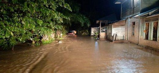 Diguyur Hujan 6 Jam, Ratusan Rumah Terendam Banjir di Pasaman Barat