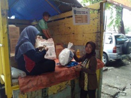 Ringankan Beban Warga, Seluruh Kecamatan di Solok Selatan Gelar Pasar Murah Ramadan